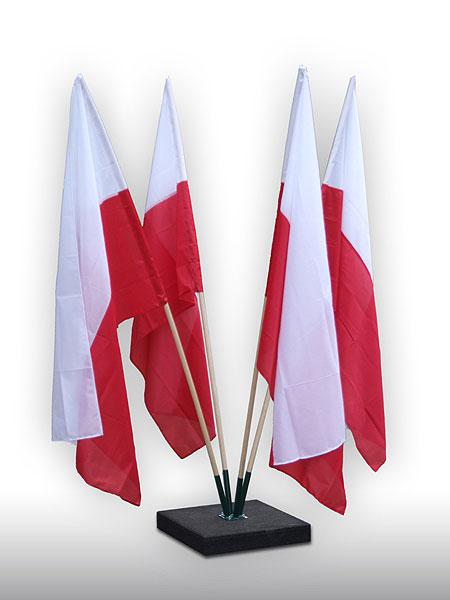flagi-w-stojaku